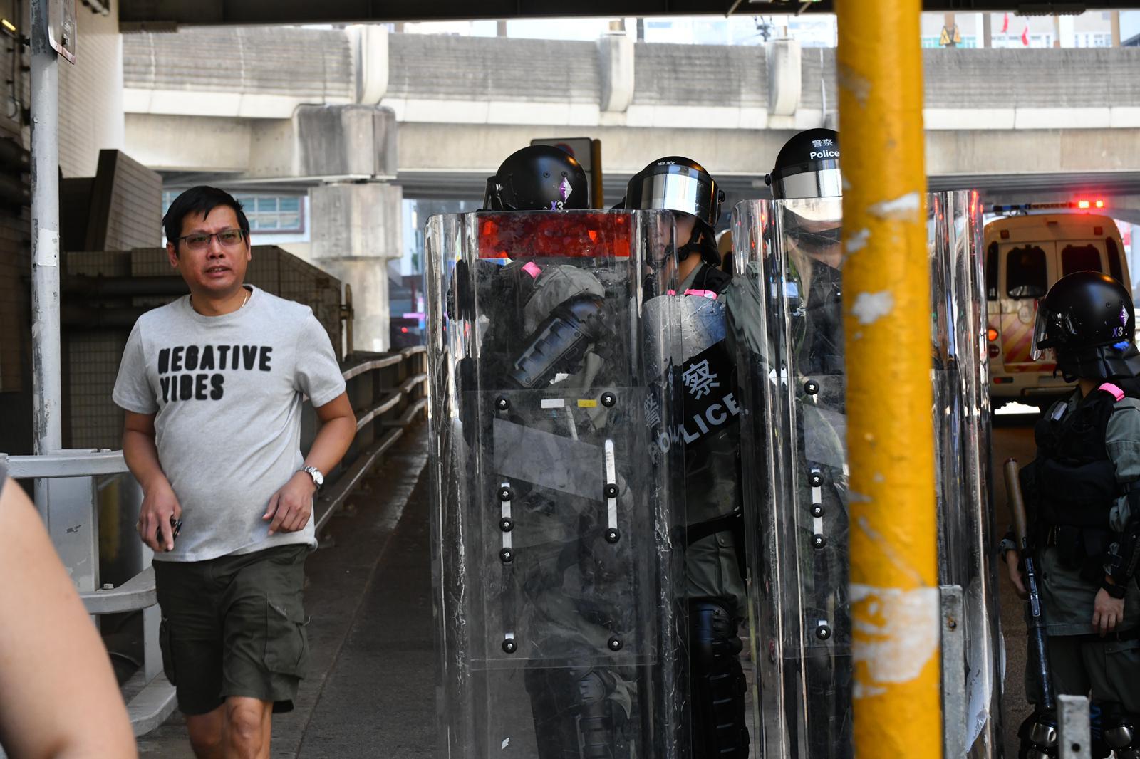 西鐵站外防暴警察戒備
