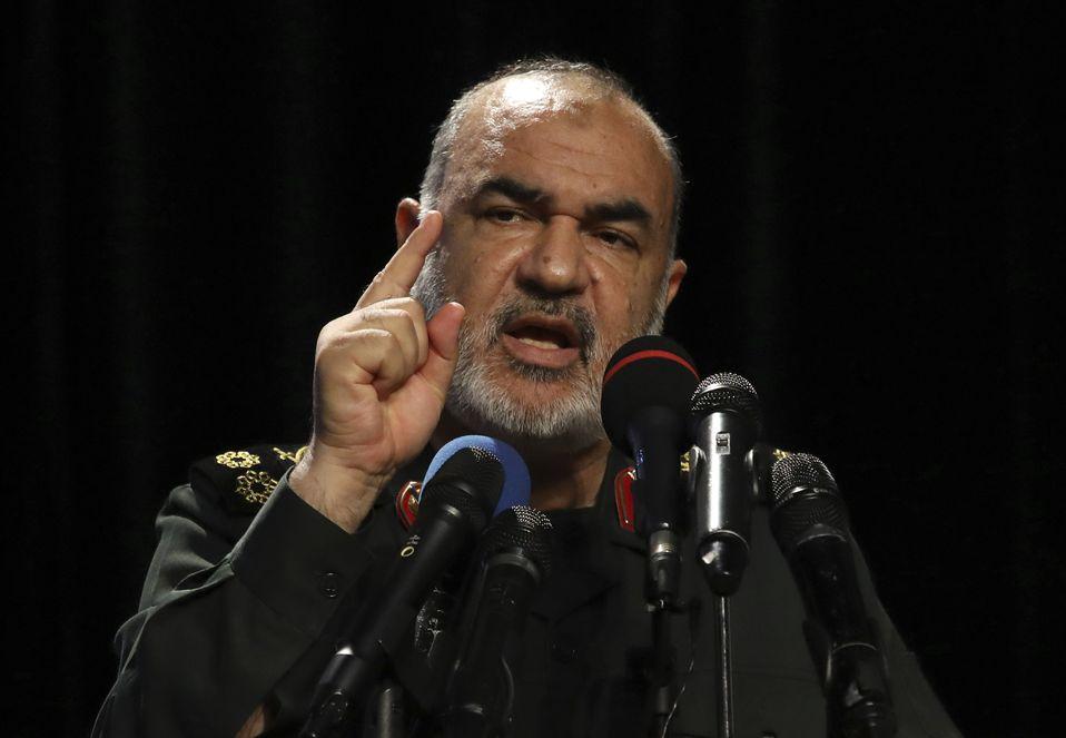 沙拉米周六高調地宣稱,伊朗已經作好戰鬥準備。AP