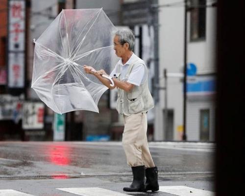 「塔巴」吹襲日本九州 造成1死21人受傷