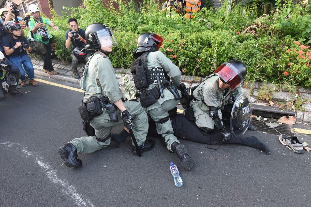 反修例引發多場示威及警民衝突。