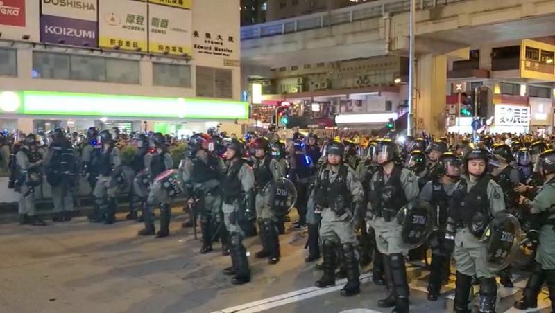 逾百名防暴警駐守彌敦道。