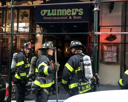 紐約時代廣場附近有建築物起火 3人受傷