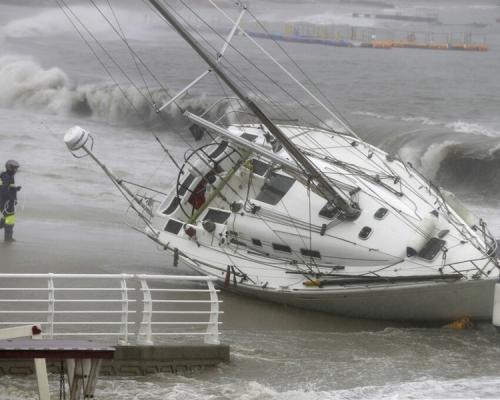 「塔巴」掠過南韓南部 致26人受傷