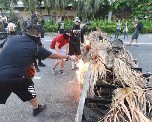 【修例風波】駐港公署:美方不打自招 證明是香港動亂幕後黑手