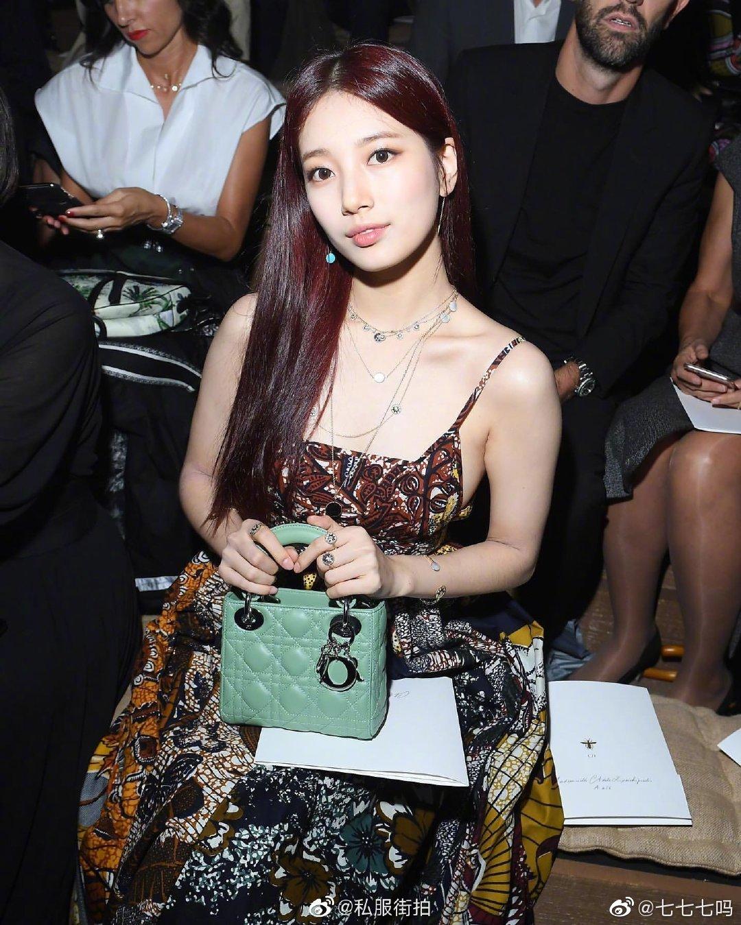 秀智出席法國時裝周。