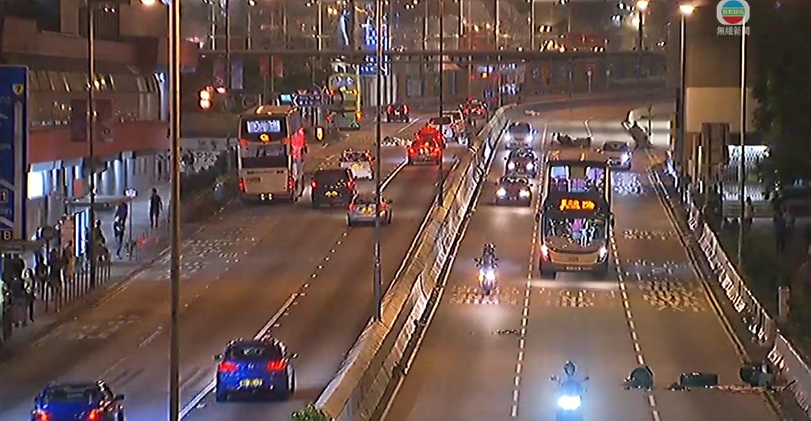 龍翔道交通恢復正常。無線新聞截圖