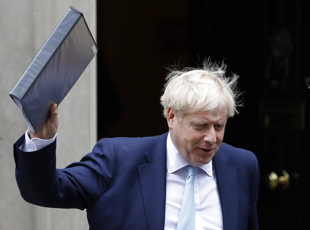 約翰遜開始致電歐盟領袖,推銷他的英國脫歐方案。 AP