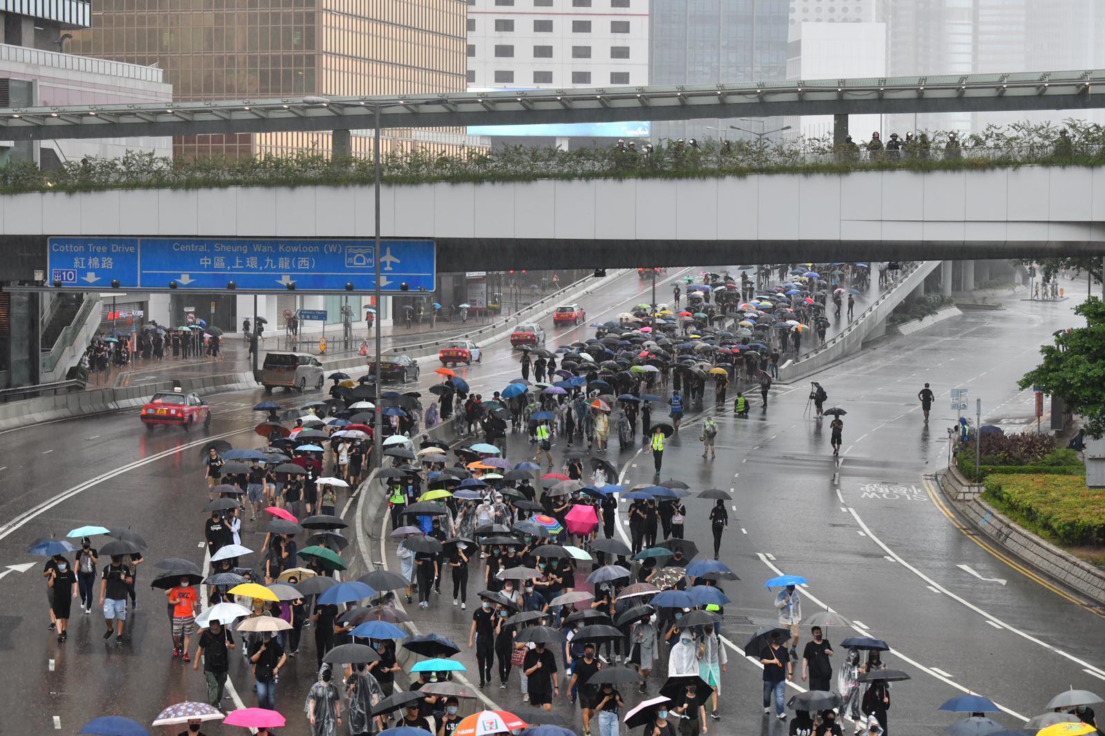 示威者佔據夏愨道