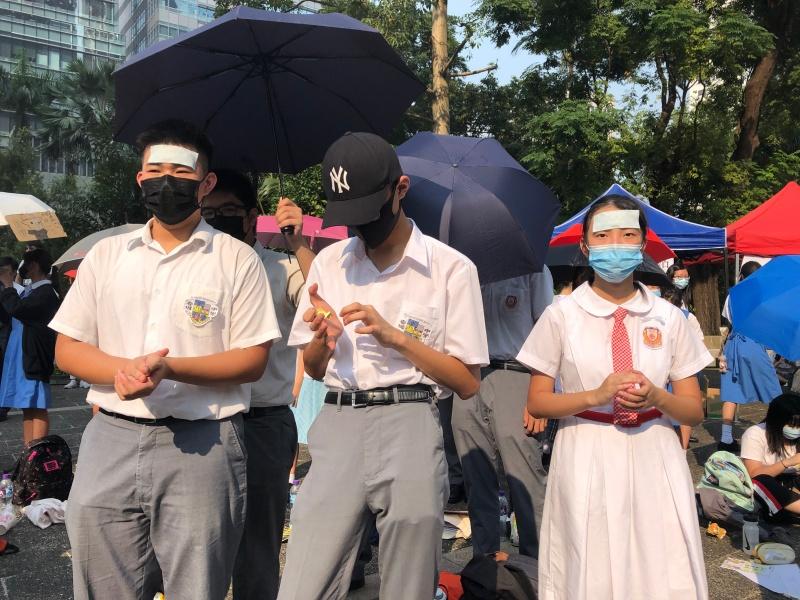 教育局要求學校上報戴口罩學生人數。資料圖片