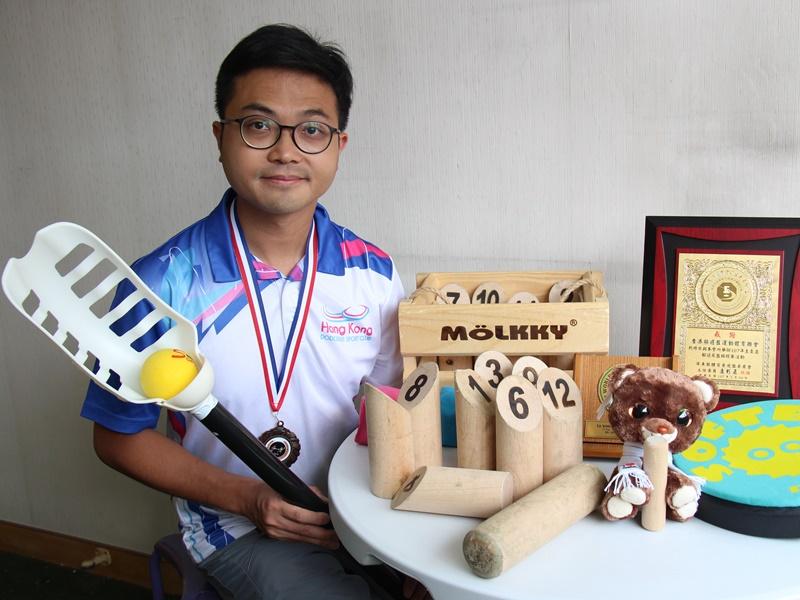 樂歷培訓創辦人黃秋南推廣新興運動多年,將躲避盤、VX球及芬蘭木柱等引入香港。