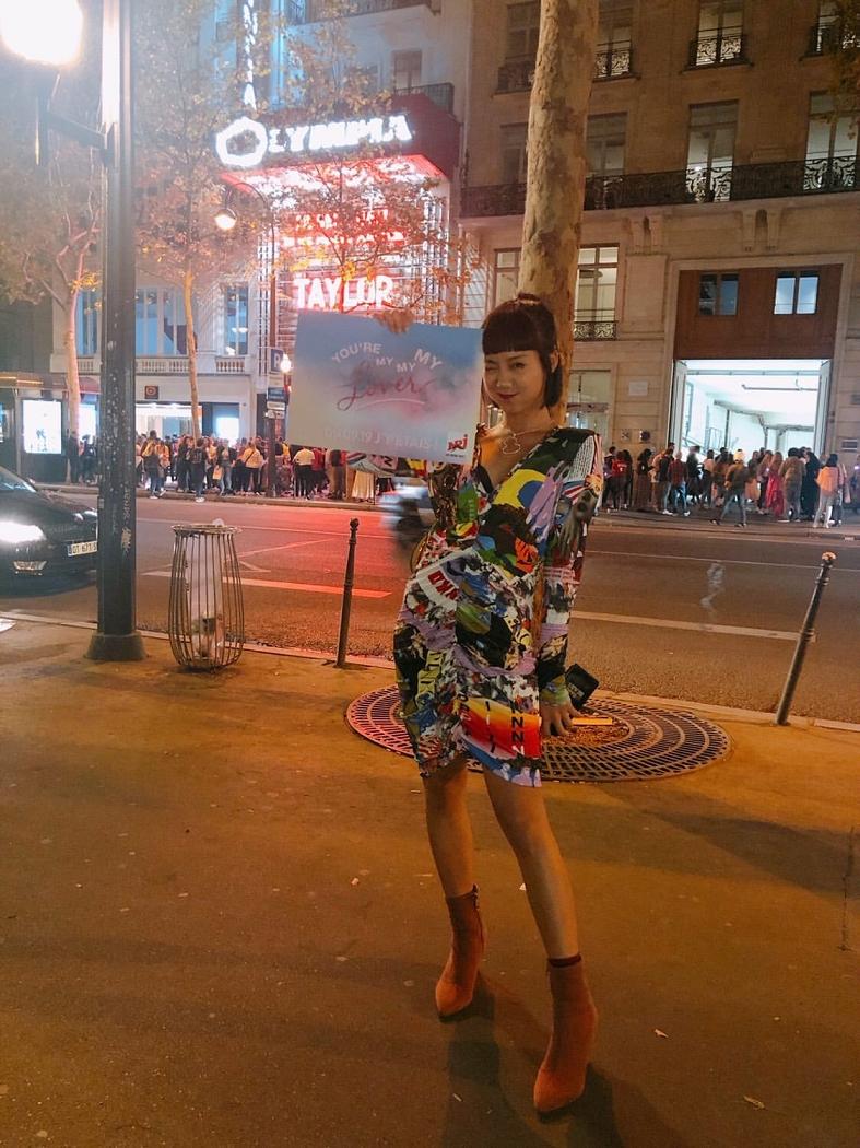陳凱詠早前被邀請到法國巴黎睇Show。