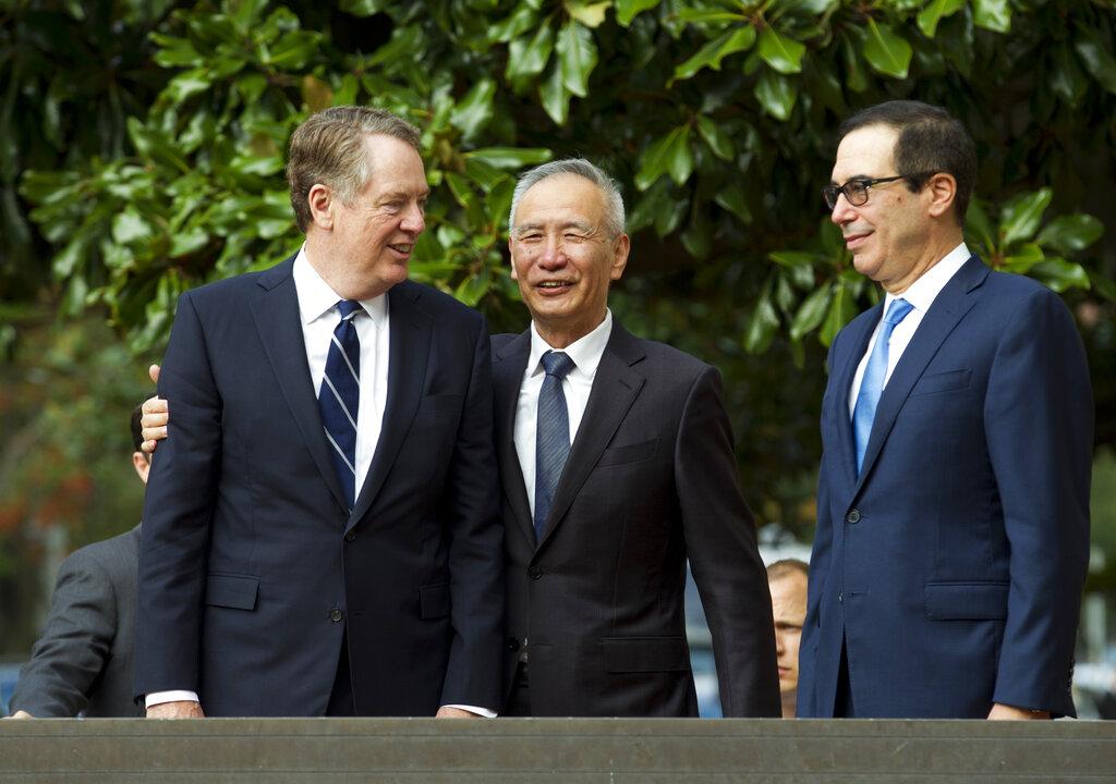 副總理劉鶴與美國財長努欽與貿易代表萊特海澤。AP