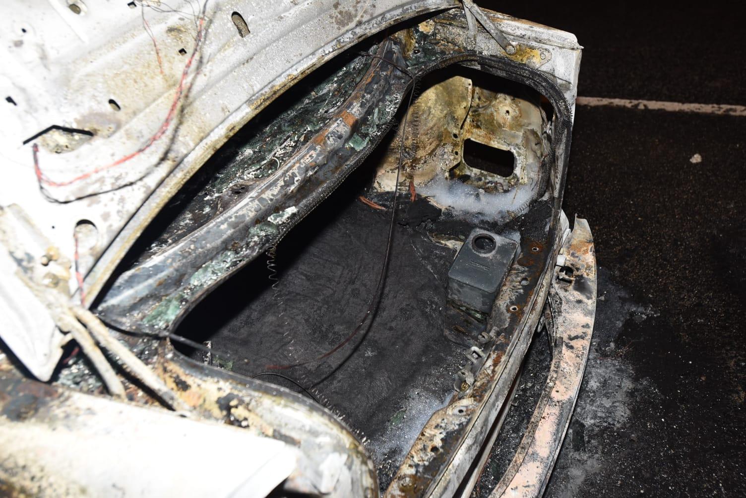 私家車車尾箱有一個懷疑電油罐。