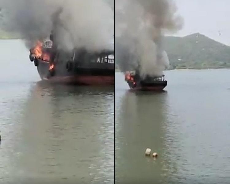 兩艘漁船起火火勢猛烈。香港突發事故報料區 網民:Chung Tang