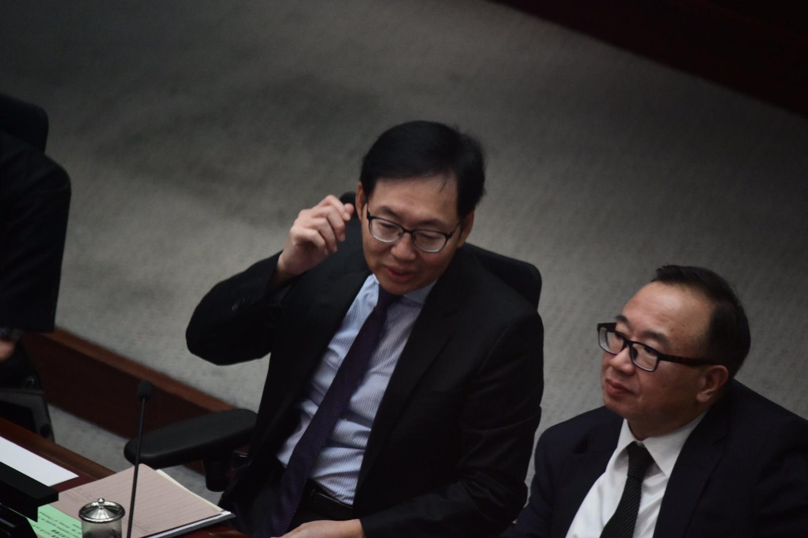 主席候選人中只有陳健波屬建制派。