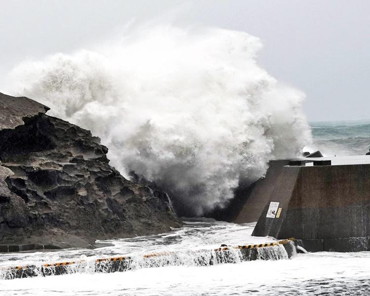 「海貝思」相信是60年來吹襲東京最強風暴。AP