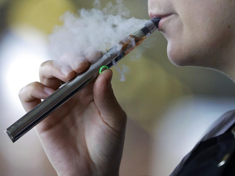 美国电子烟相关肺病增至近1300宗。