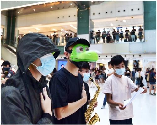 【修例風波】網民下午發起「18區開花」 號召市民34個商場集會