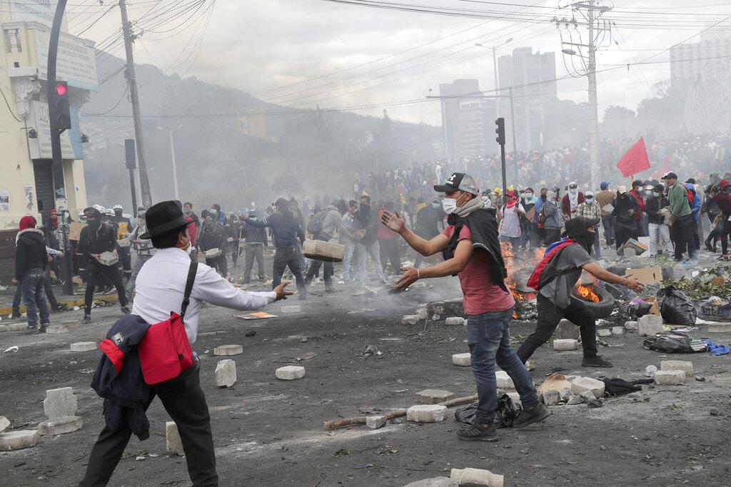 厄瓜多爾過去一個多星期的反政府示威及暴力衝突,愈演愈烈。AP