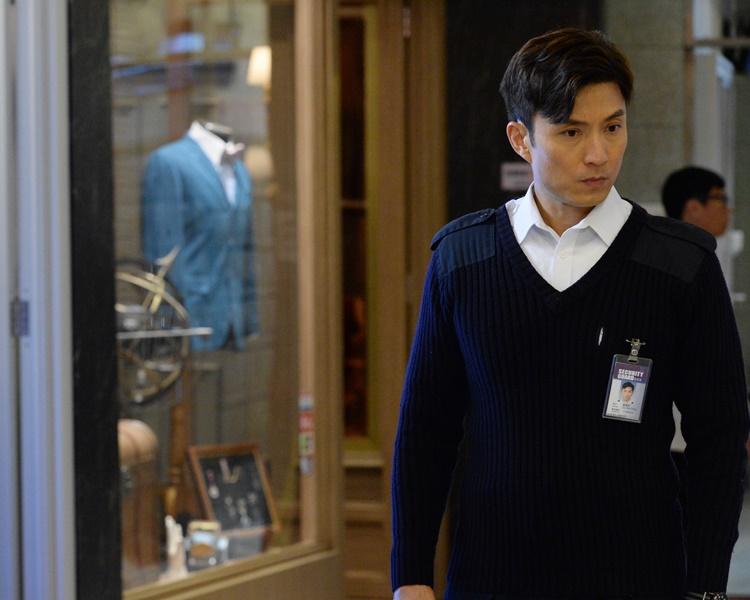 在劇中山聰演一個大廈保安員,有一段隔世情緣。