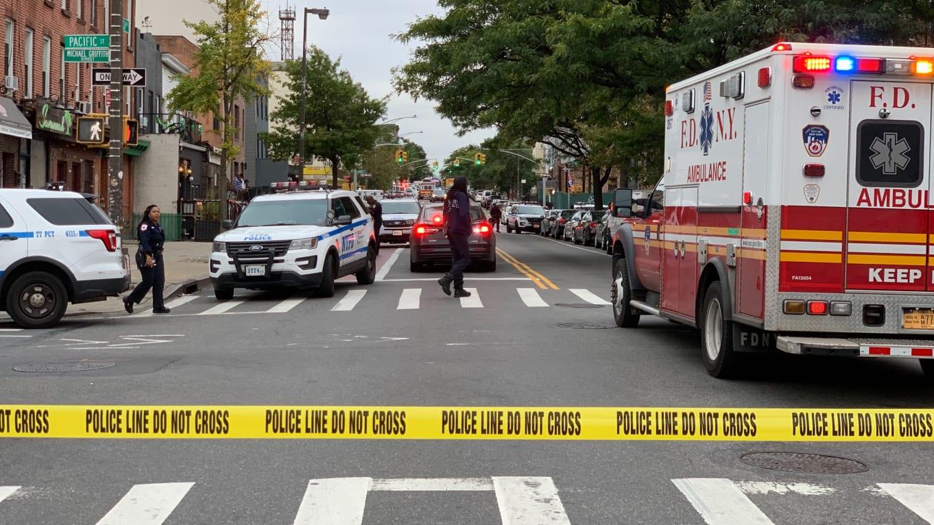 美國紐約一間無牌酒吧發生槍擊案。 網圖