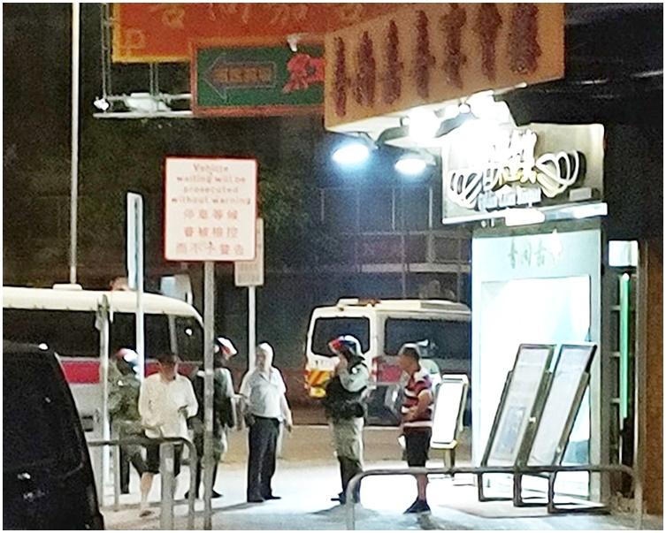 警方到場調查。fb「我食在元朗。你卻在大牌檔」Cyrus Wong圖片