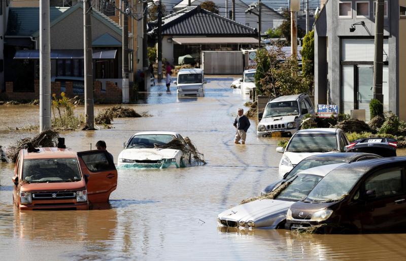 颱風肆虐日本,關東、長野、福島、宮城縣的河川潰堤。AP