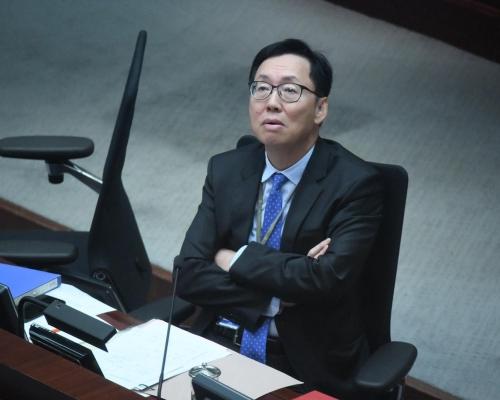 【財委會】與十多名民主派爆罵戰 陳健波:無建制派議會冧咗好耐!