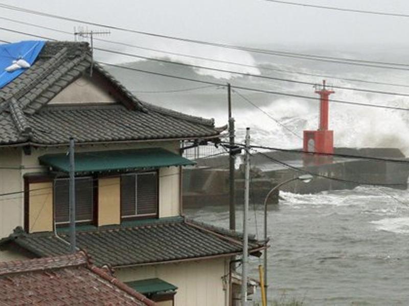 一艘停泊在日本川崎市東京灣的巴拿馬註冊貨船沉沒,釀7人死亡。(網圖)