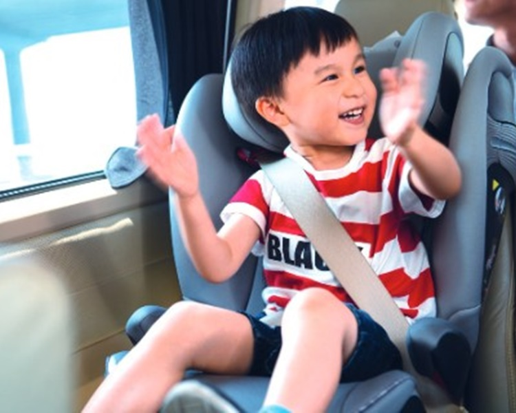 消策會呼籲選購兒童汽車安全座椅要注意適用的體重或身高及安全程度及是否容易安裝。