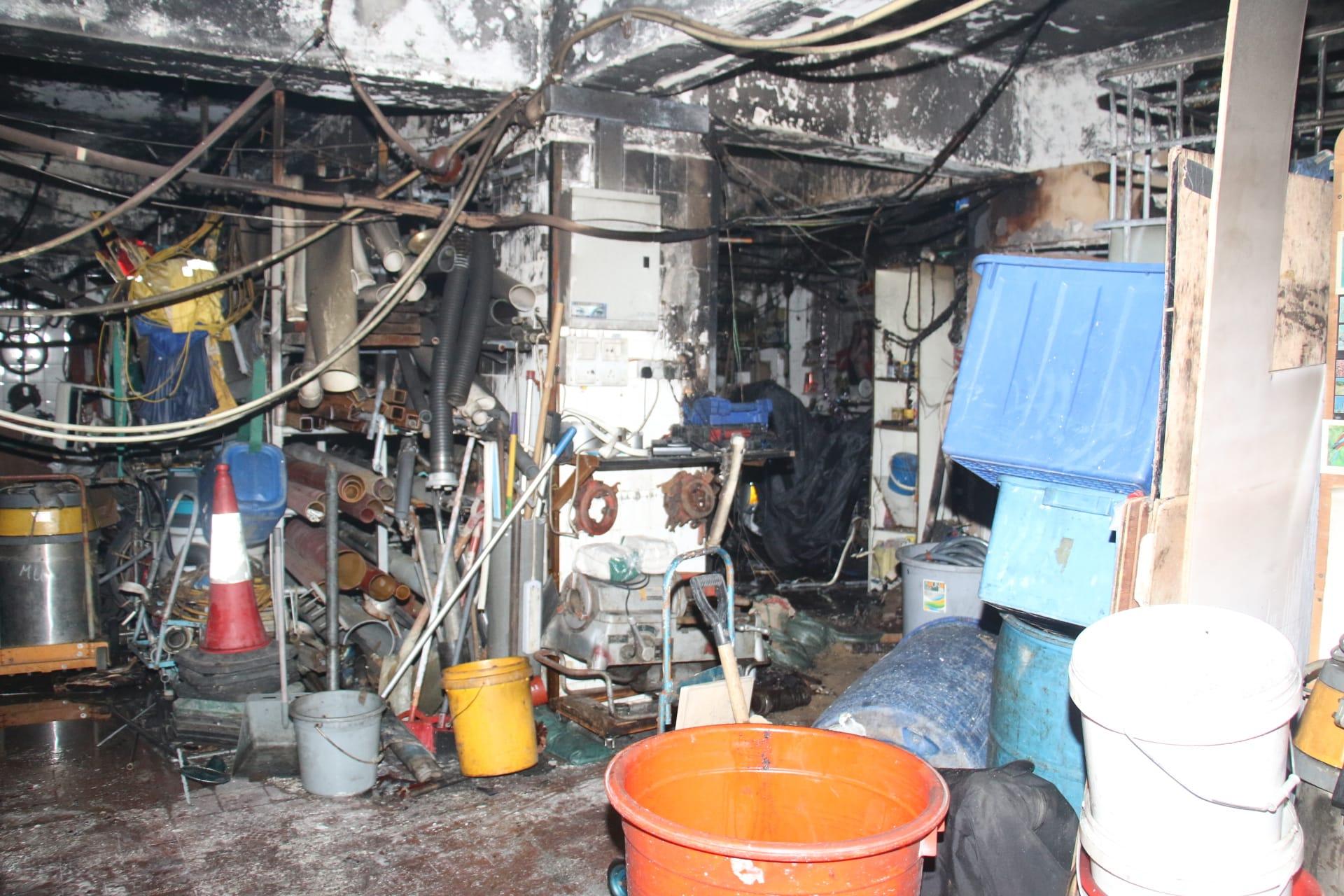 火警單位被焚毁。 梁國峰攝