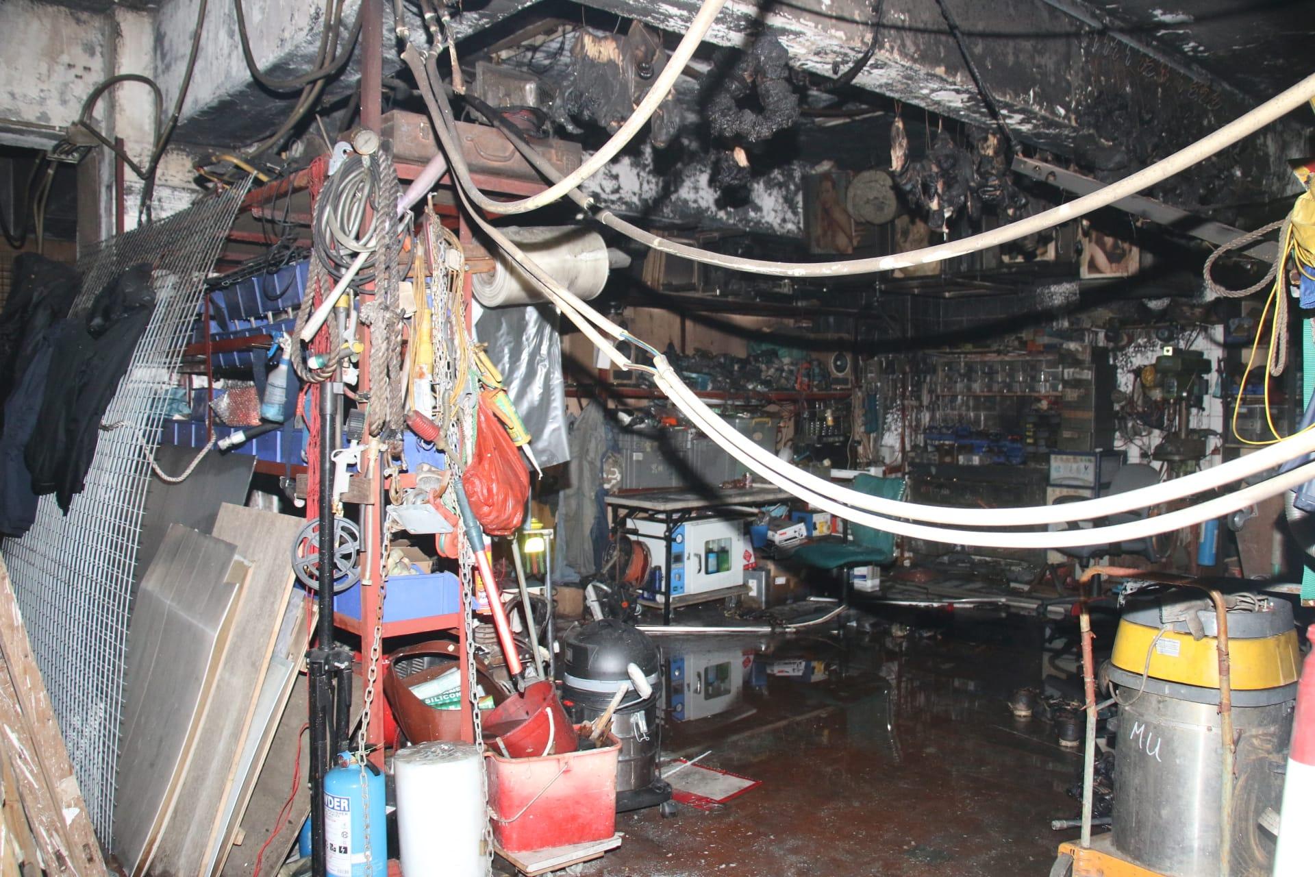 火警單位被焚毁。梁國峰攝