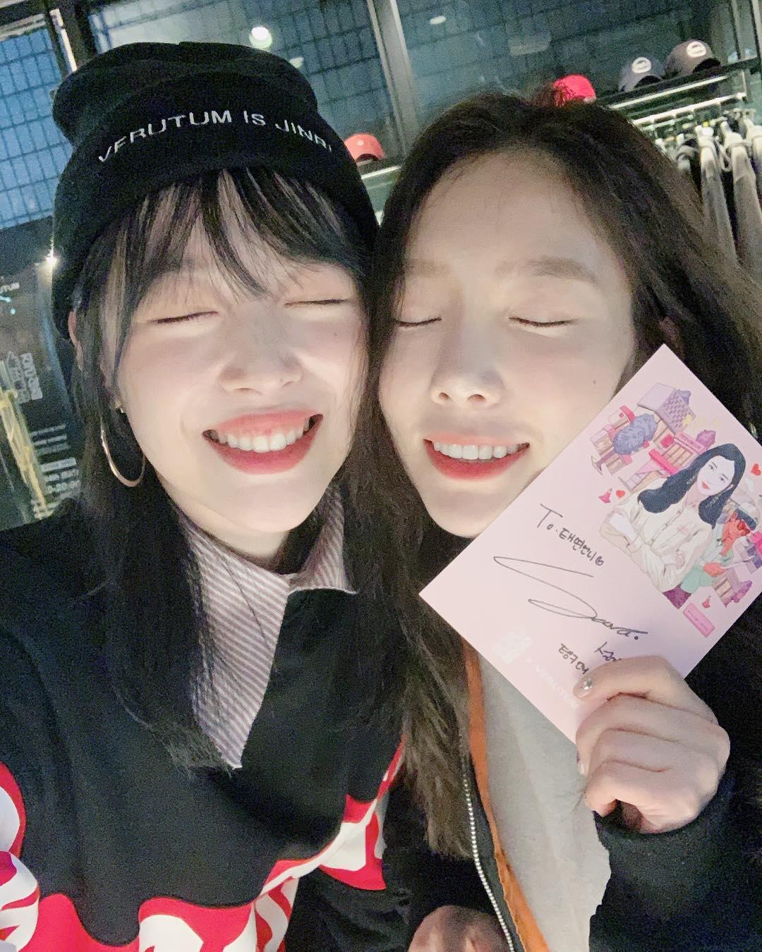 Sulli與太妍(ig圖片)