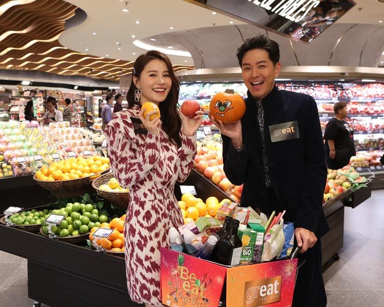 阿蕭同翠如出席超市活動順便入貨。