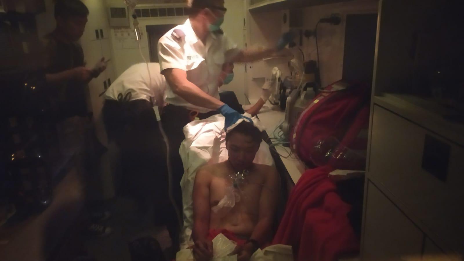 民陣召集人岑子杰旺角遇襲受傷 警暫列「傷人」案處理 (有片)
