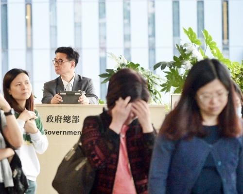 【專欄】近半合資格公務員揀延遲退休