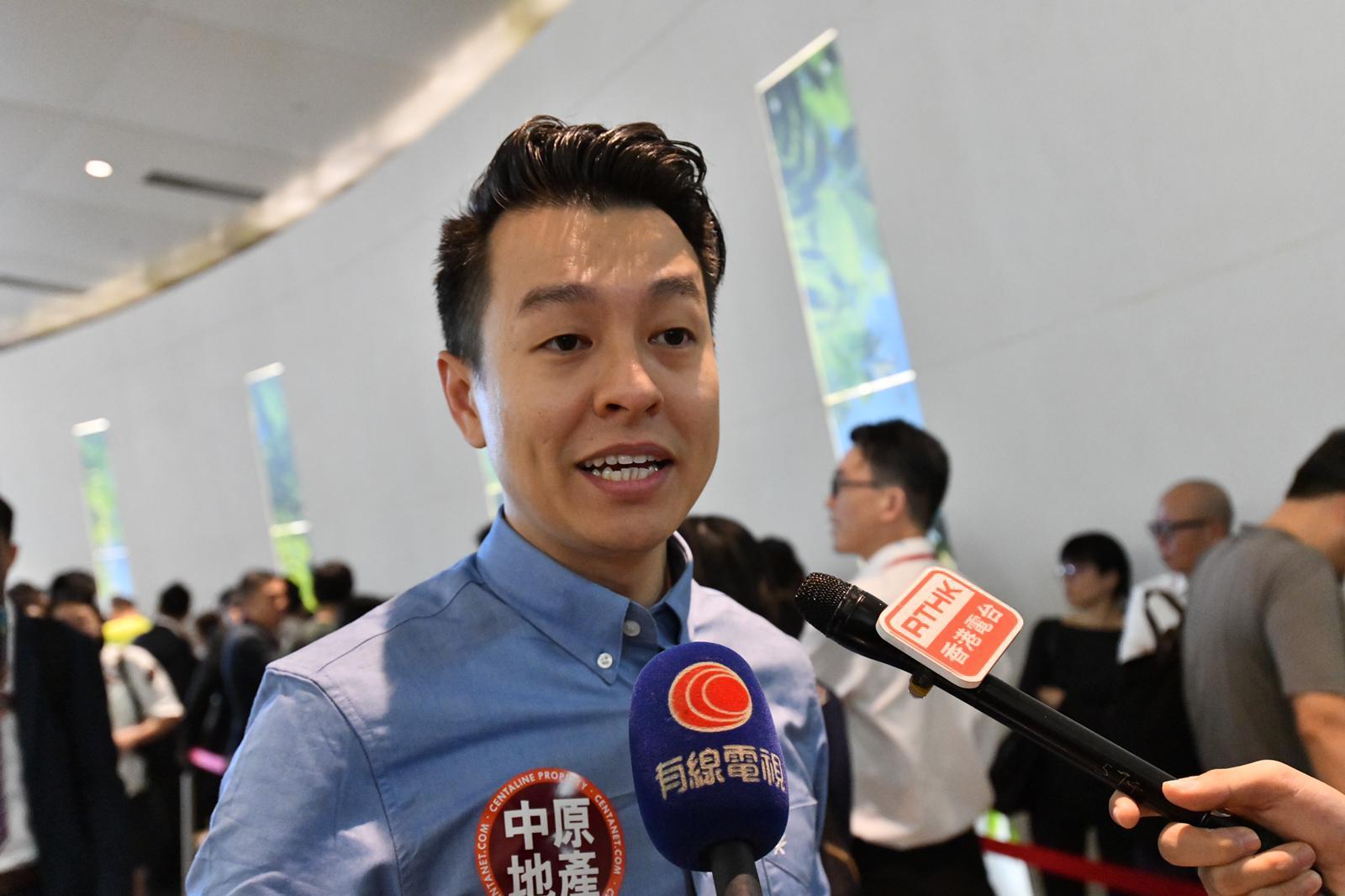 趙先生打算購開放式戶或1房作投資用途。
