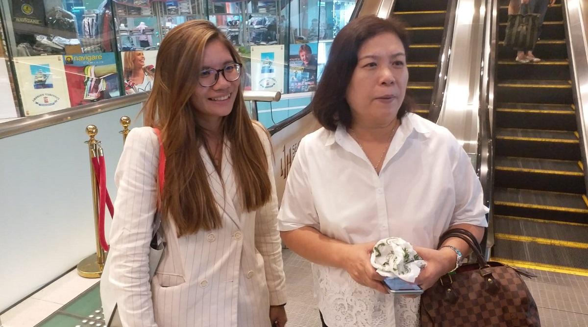 李小姐(圖左)認為樓按新措施有助年輕人置業。