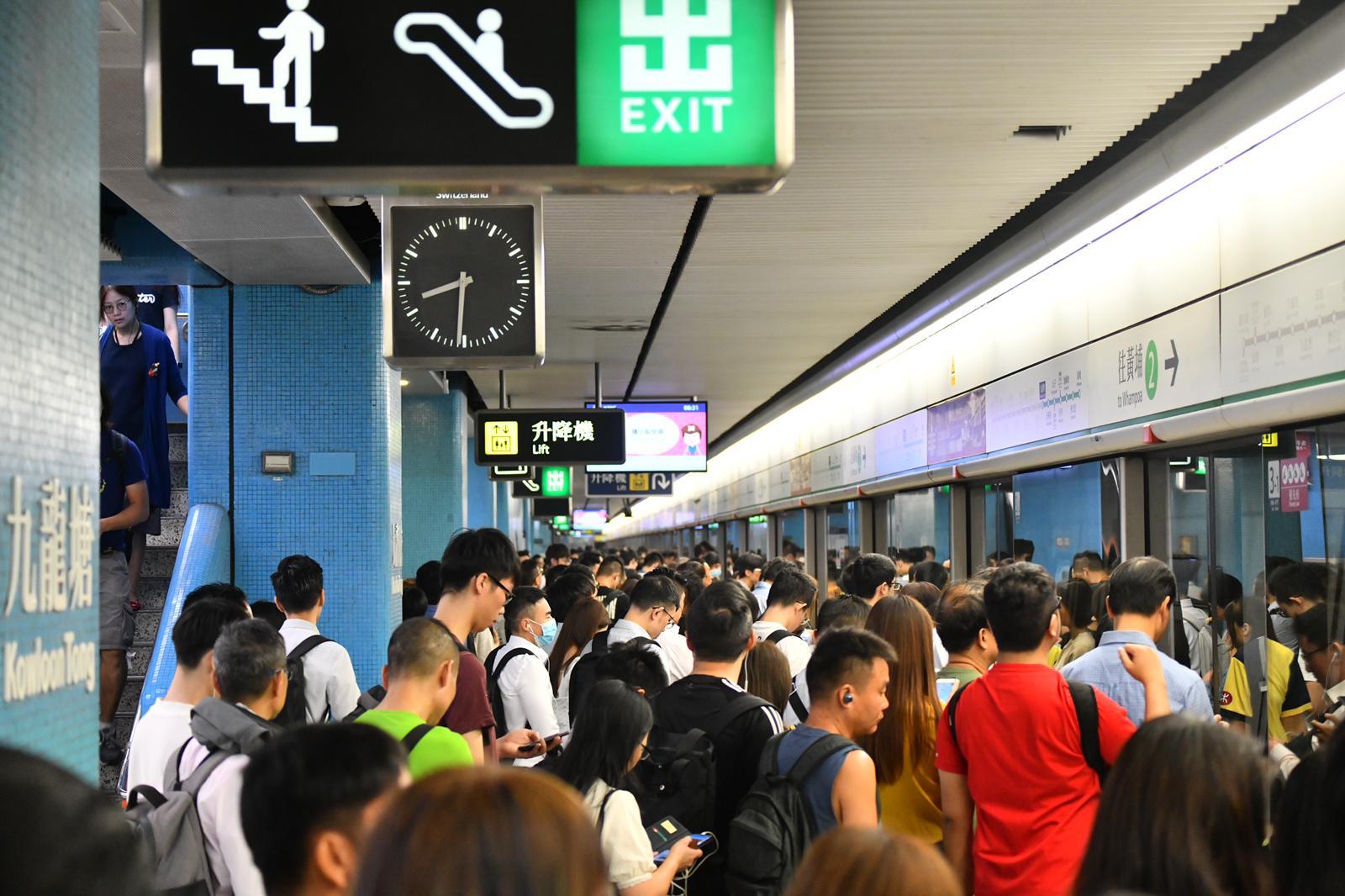 港鐵的服務備受爭議。資料圖片