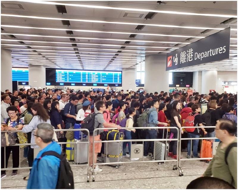 高鐵售票系統故障。資料圖片