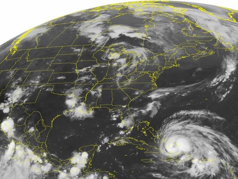 科學家發現颶風和地震同一時間發生的現象。AP圖片