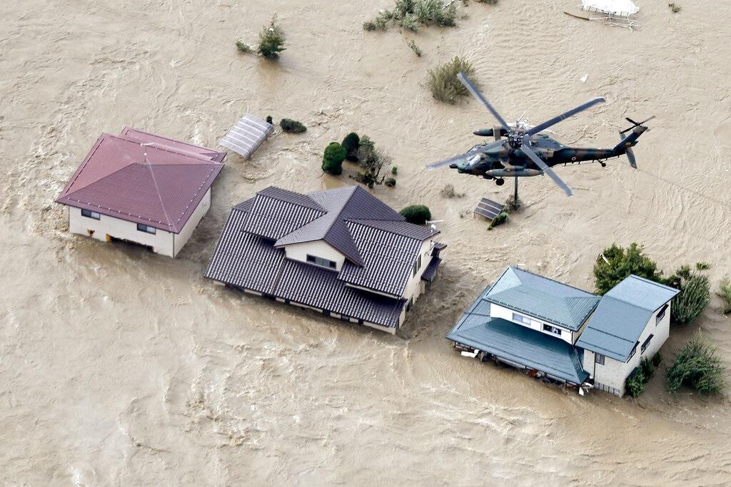 日本最近遭受颱風吹襲。AP圖片