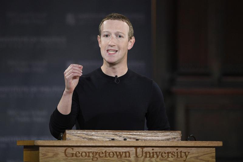 臉書CEO朱克伯格抨擊海外版抖音配合中國審查香港內容。AP