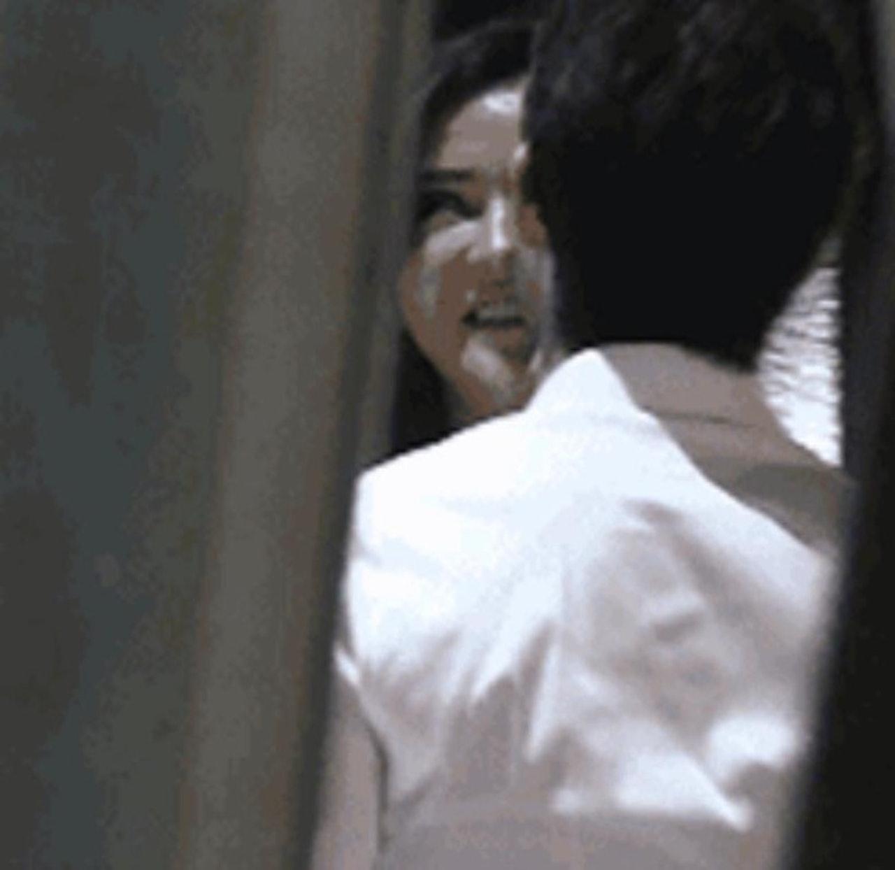 李治廷與女友深情擁吻。網圖