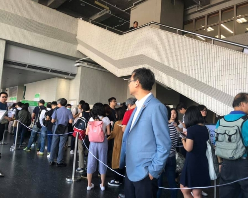 港大畢業生議會逾9成贊成票 通過促林鄭月娥辭任校監動議