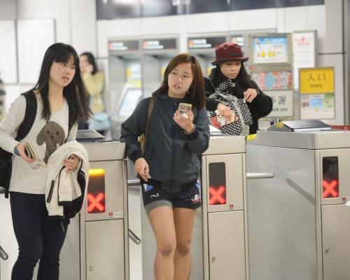 除機場快線外 港鐵各線明晚將提早於10時結束