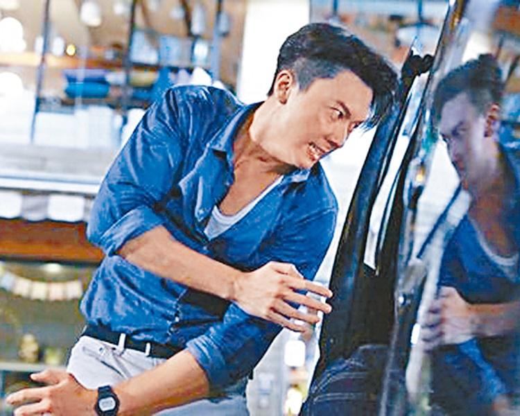 劇中王浩信是一名黑道解決師,大顯身手,連場動作。