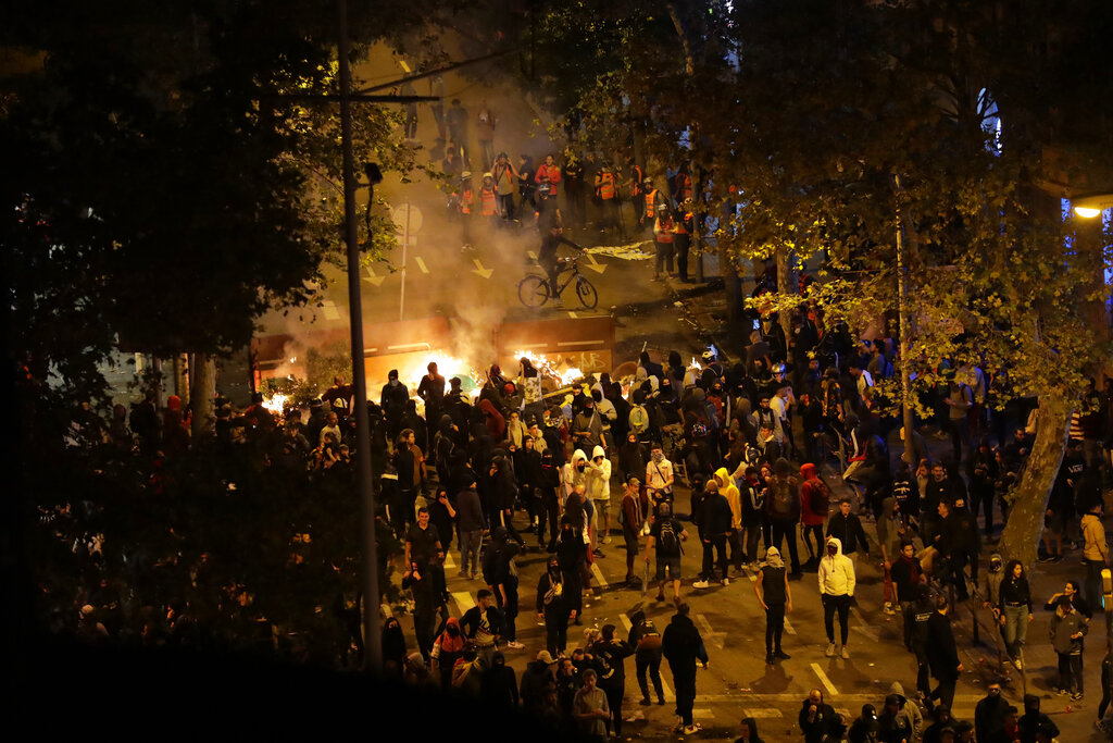 西班牙中央政府拒對話,促加泰領袖嚴厲譴責暴力。AP