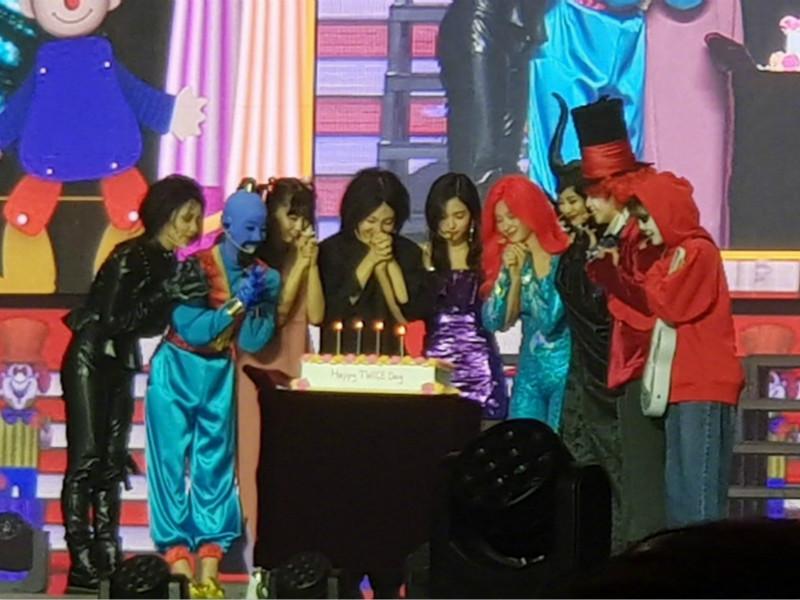 韓國女團TWICE舉辦出道4周年兼萬聖節見面會。 網圖