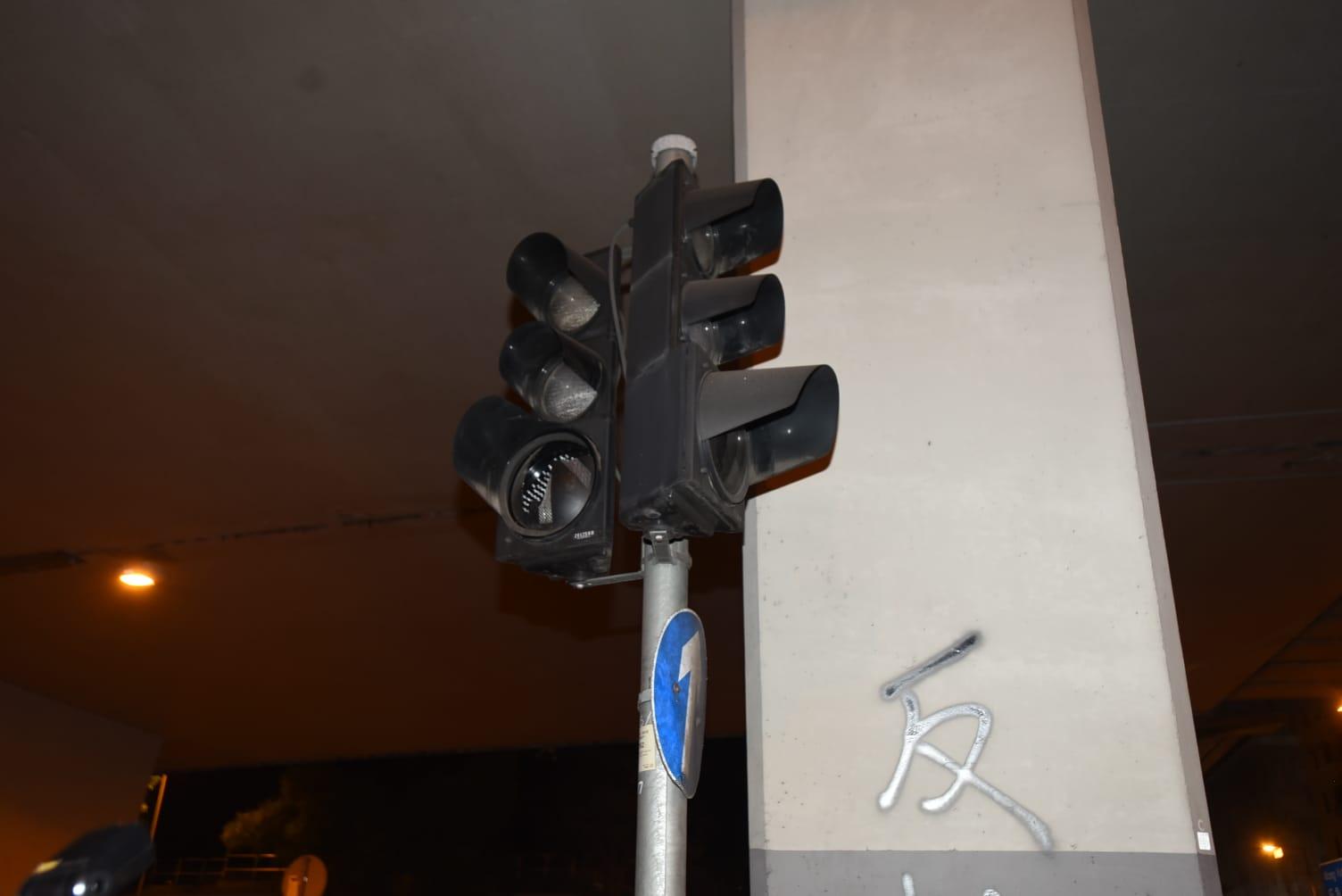 現場交通燈失靈。